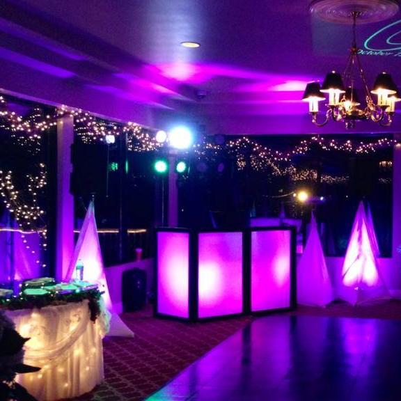 DJ Mad Maxx : Your Wedding DJ & Photo Booth