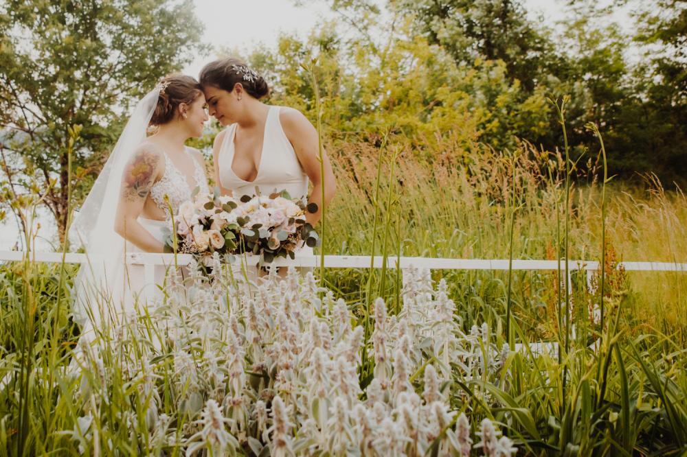 Lesbian weddings