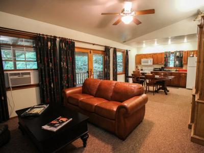 Living / Dining Area - 3 Bedroom Cottage